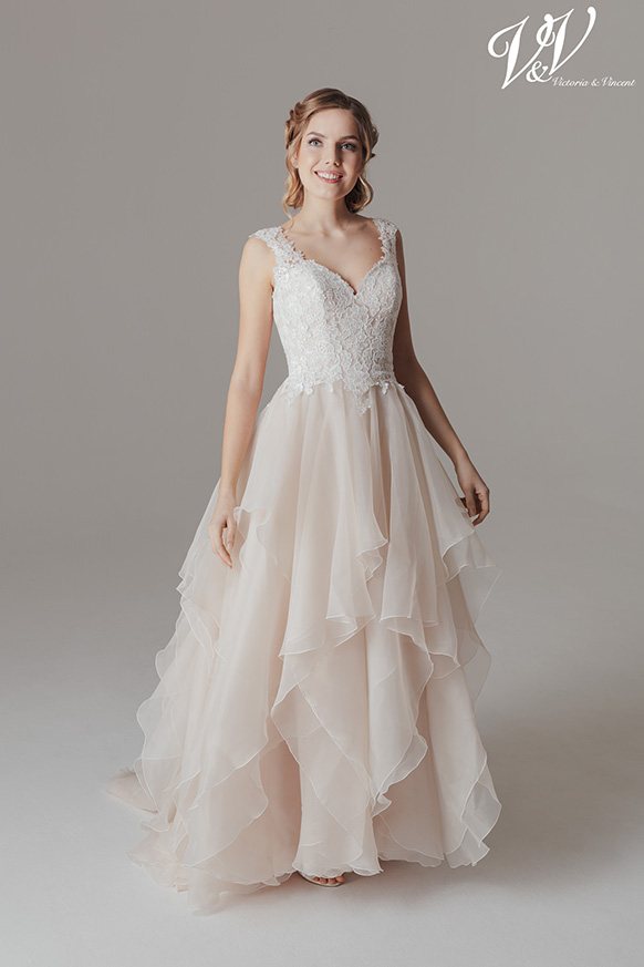 Kelly-2-Victoria-og-Vincent-brudekjole